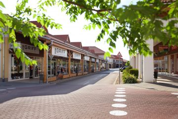 Premier outlet, Hungary
