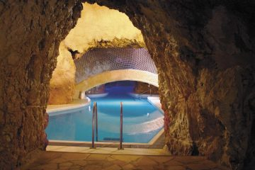 Miskolctapolca Cave Bath, Hungary; Source: http://barlangfurdo.hu/galeria